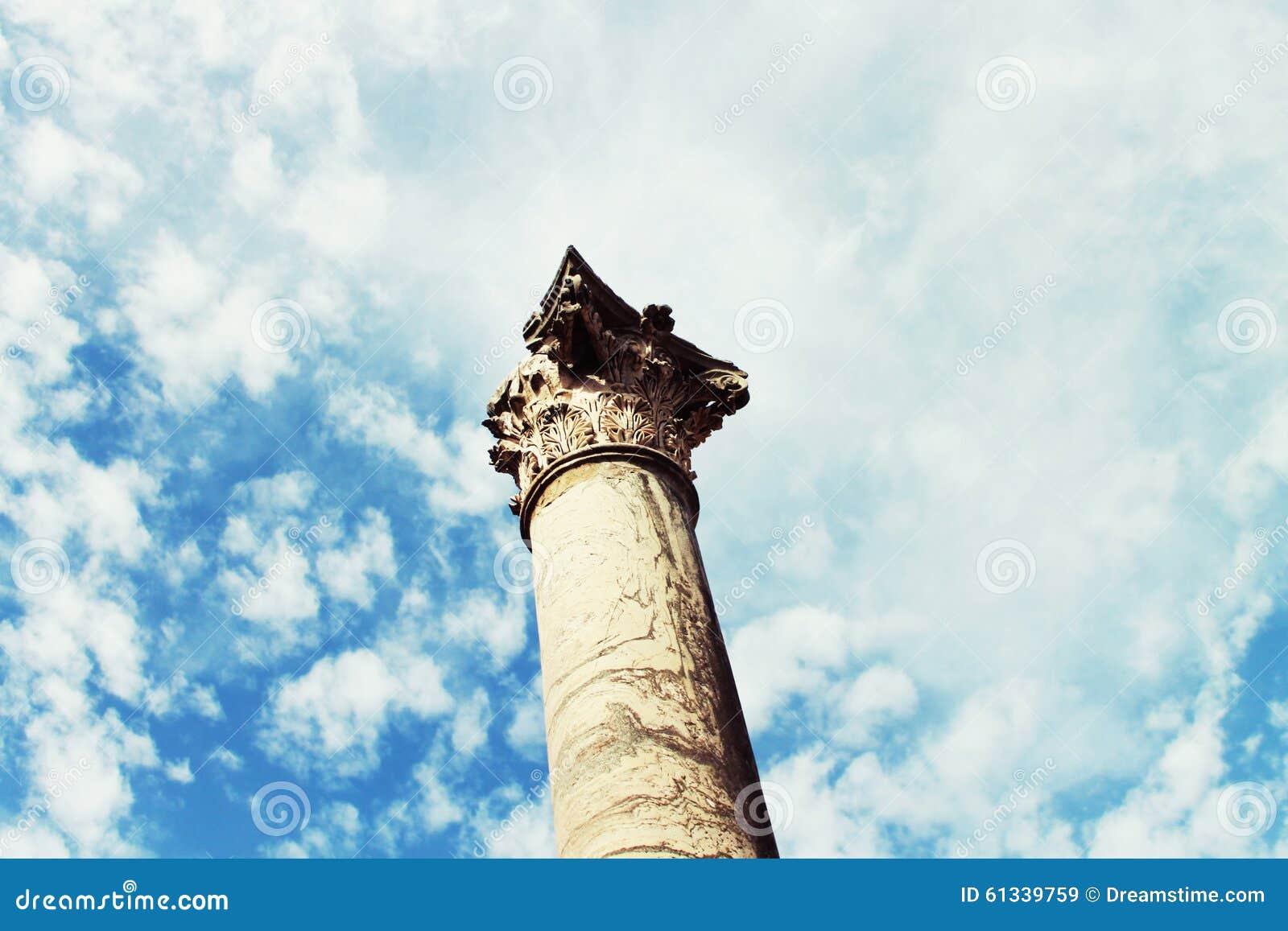 Ancient column stock photo image 61339759 for Mr arredamenti ostia antica