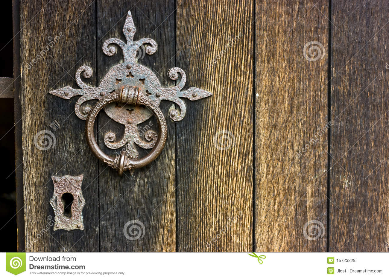 Ancient Door Handle Royalty Free Stock Images - Image: 15723229