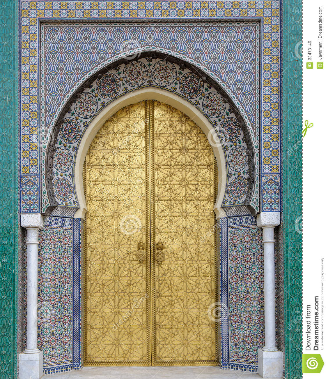 Ancient doors morocco stock photo image of doorknob for Architecture arabe