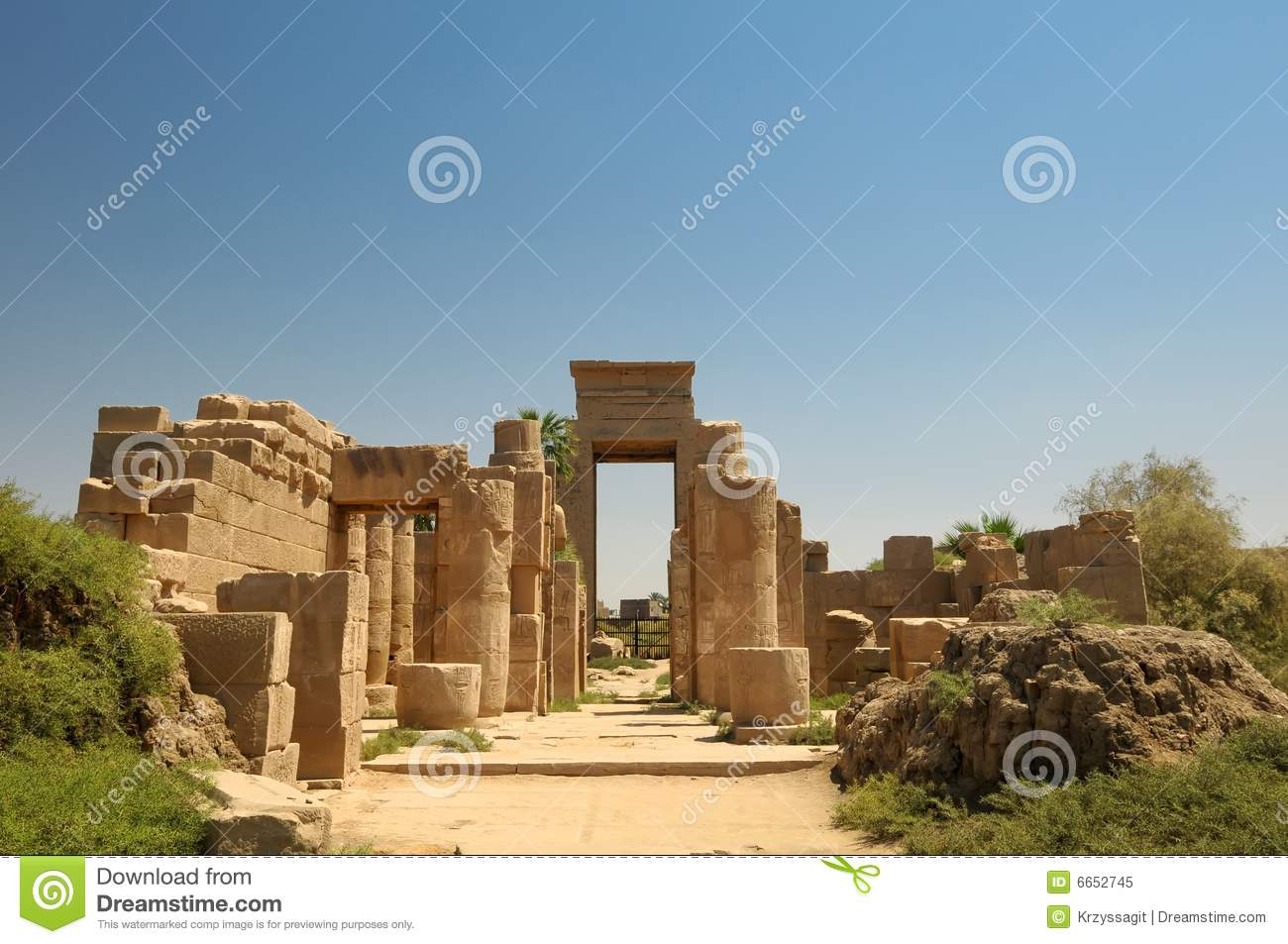 Ancient Egyptian Ruins Luxor Stock Image Image 6652745