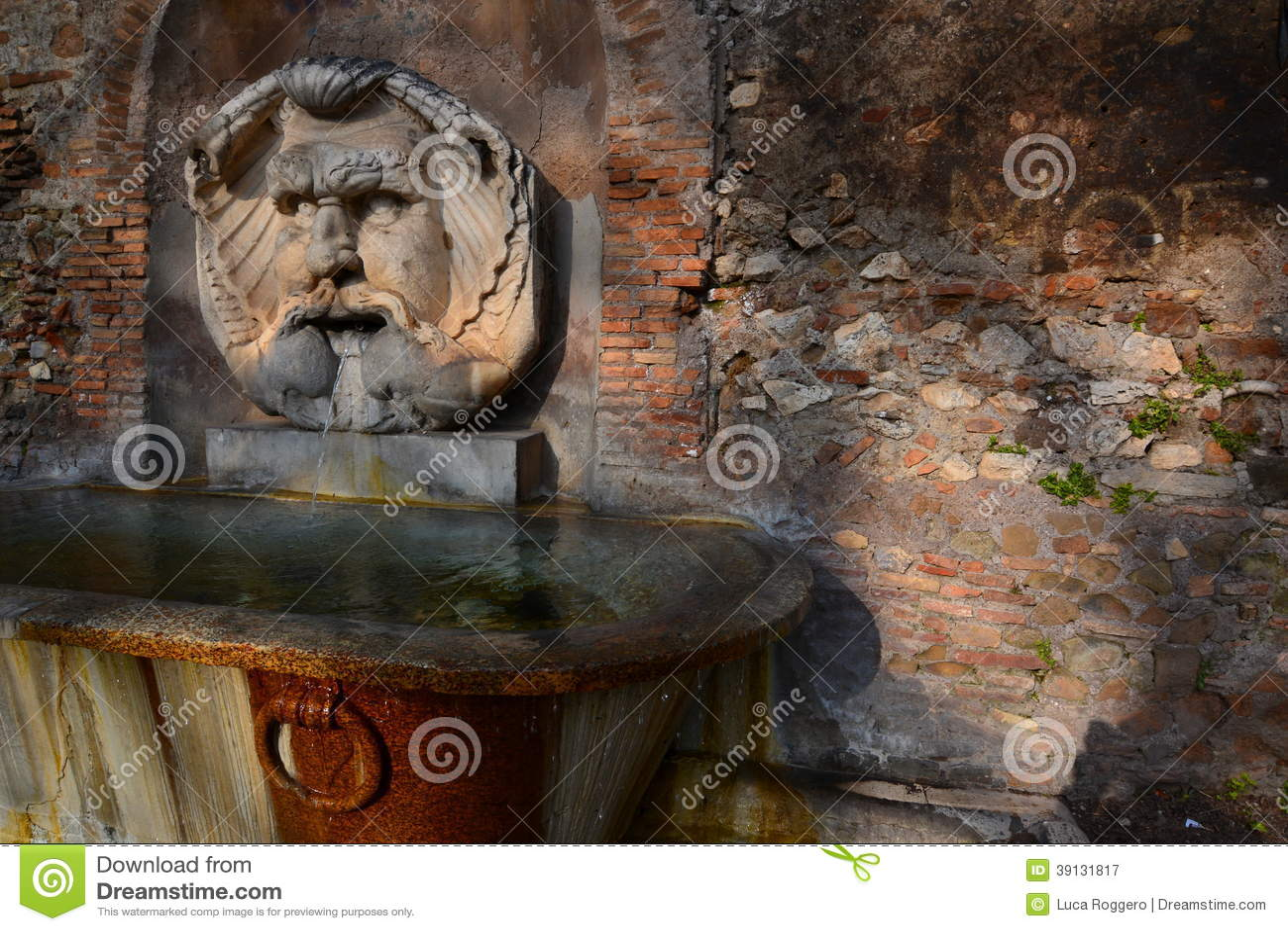 Ancient fountain giardino degli aranci parco sav stock image image of shadow savello 39131817 - Giardino degli aranci frattamaggiore ...