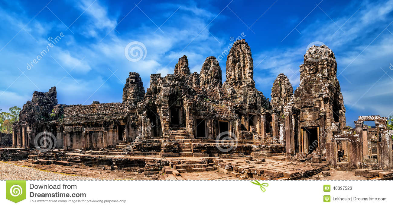 Ancient khmer architecture panorama view of bayon temple for Wat architecture
