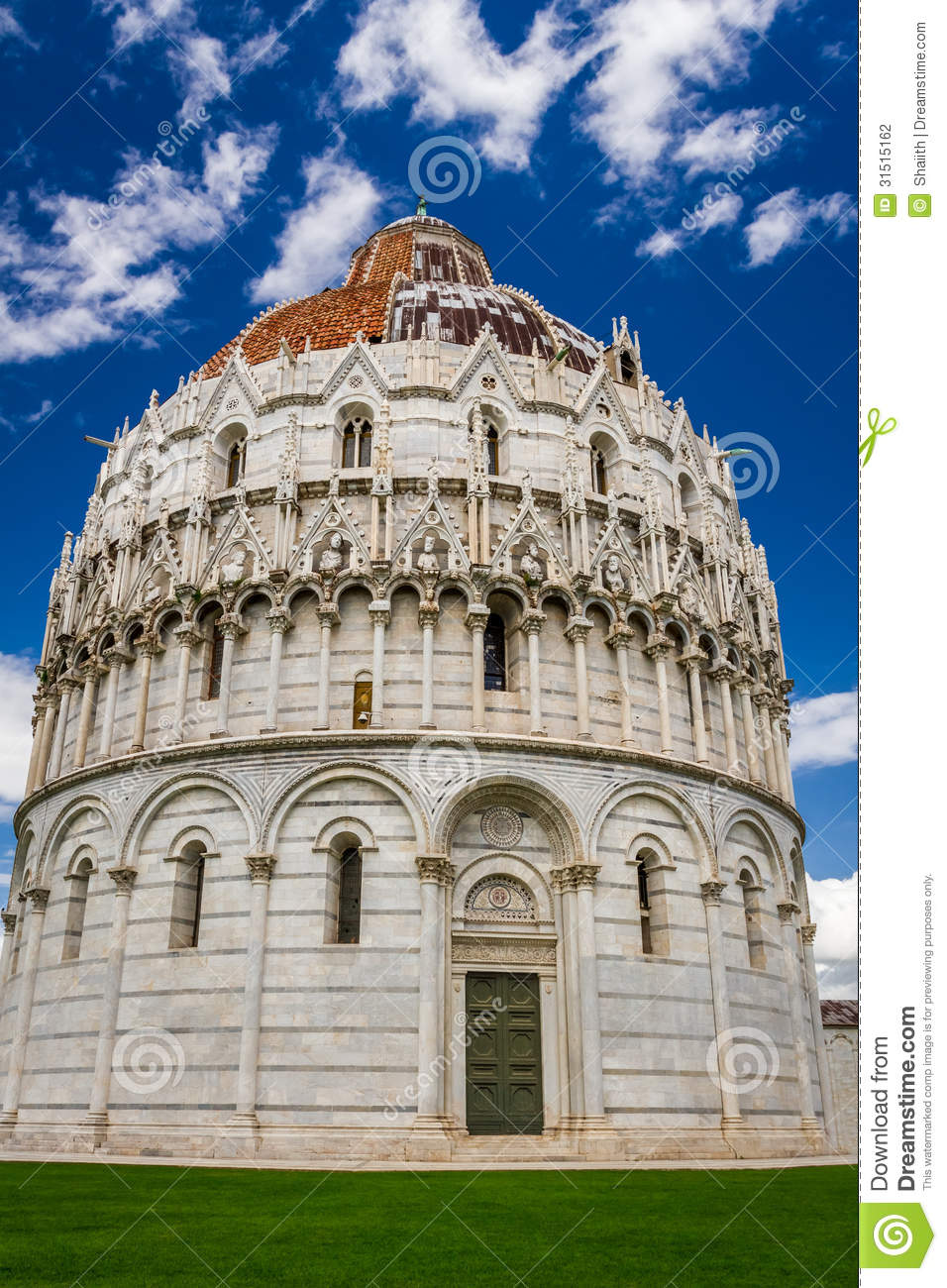 Ancient monuments in pisa on green glade stock photography for Green italy