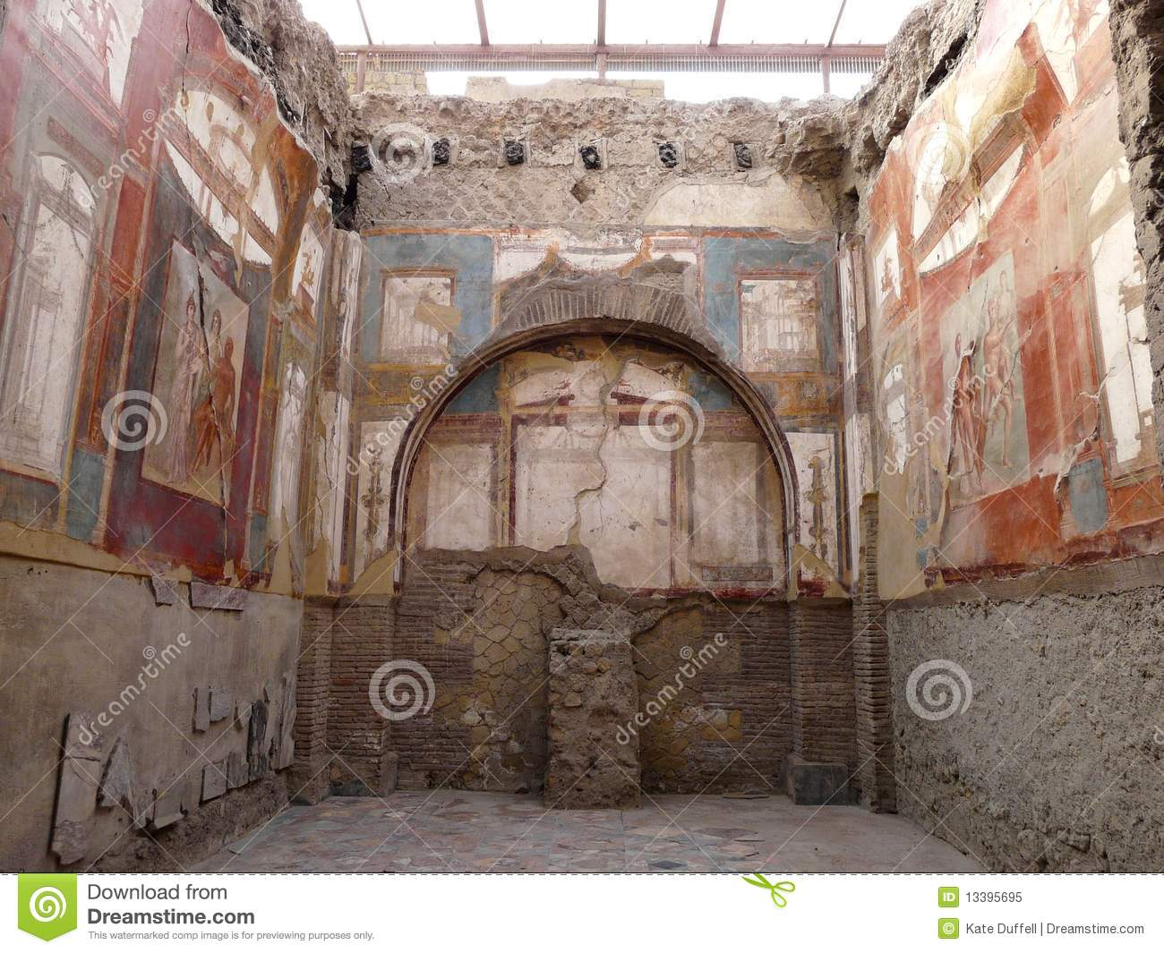 Ancient painted wall fresco at the ancient roman c royalty for Decoration maison romaine