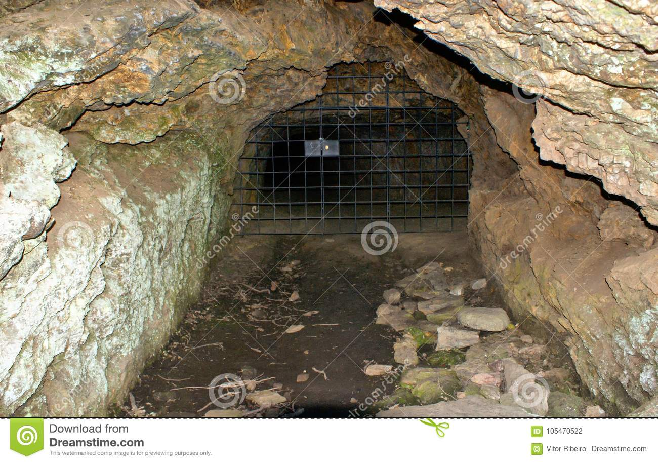 Download Ancient Roman Gold Mine In Tresminas Stock Photo - Image of excavation, hill: 105470522