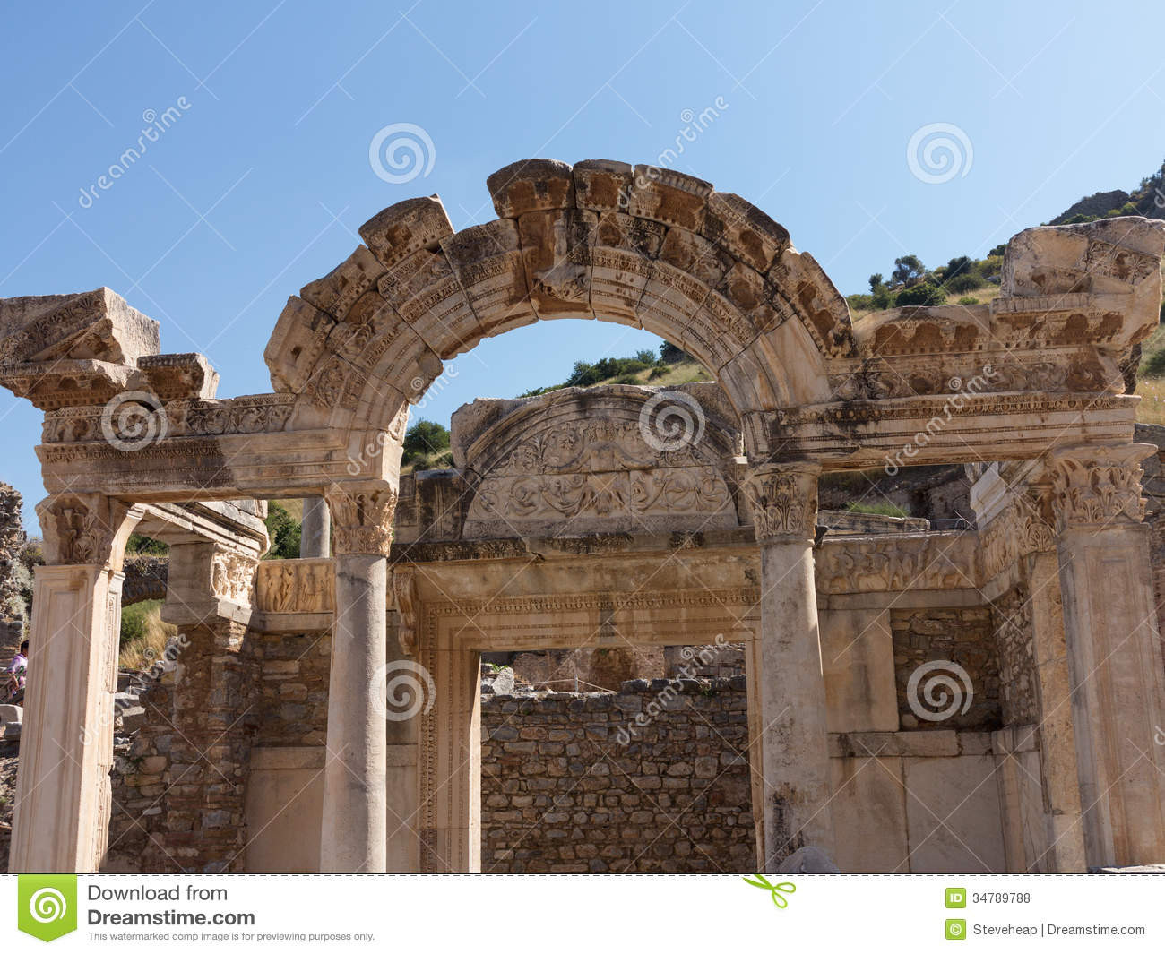 """an analysis of the ancient ruins and structures in greece Emperor theodosius ii closes pagan temples in greece (435) emperor justinian   on the ruins of missolonghi (1827) and stirs foreign sympathy for greek cause   here the ekklisia (from the ancient greek, meaning """"assembly"""") or laos."""