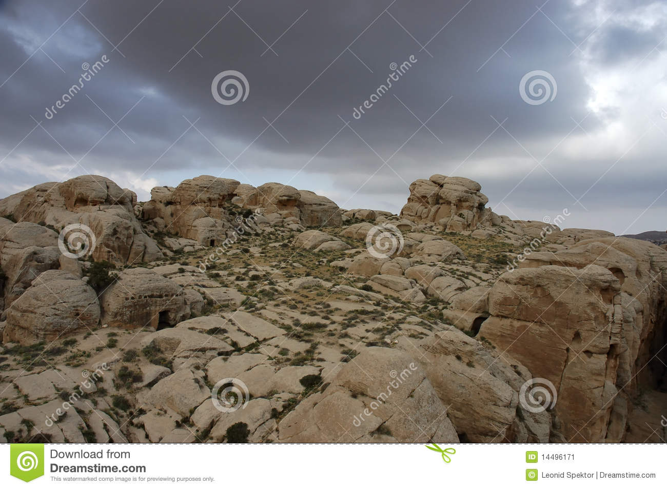 Lion Tracks Photo QnA -- Biblical Sela. The rock city of Petra in ...