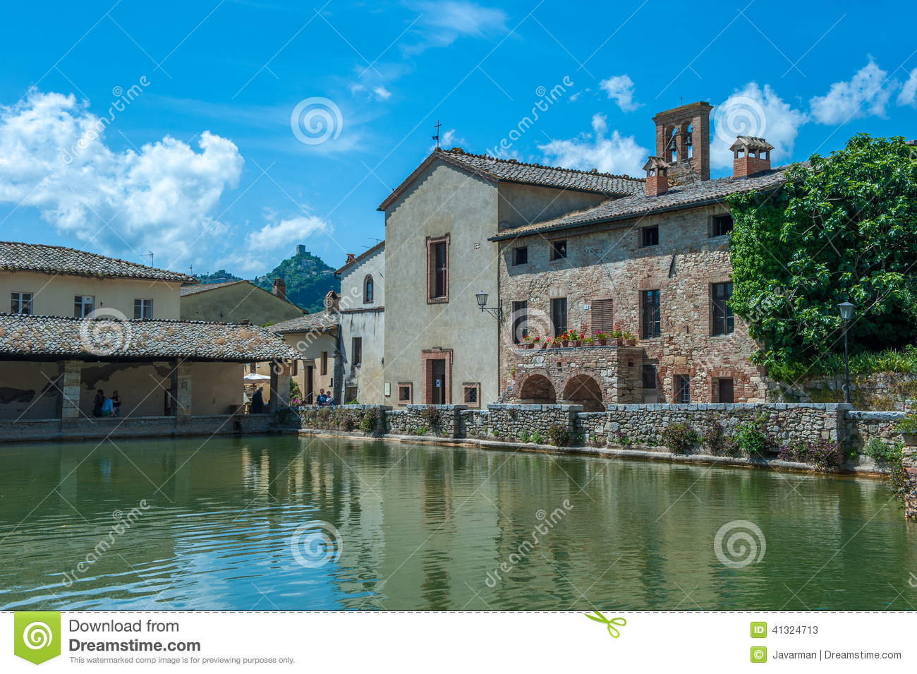 Ancient Swimming Pool With Thermal Water In Bagno Vignoni, Tusca Stock Photo ...