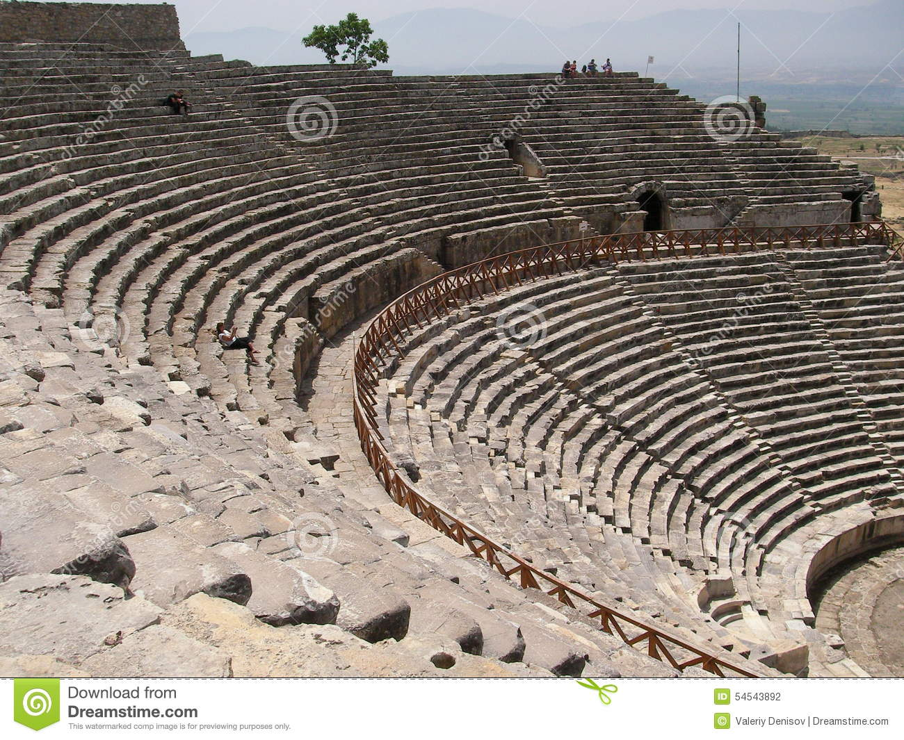 an analysis of greek theater in the classical period Ancient greece unit test name:_____ date: _____ completion 4the period between alexander's conquest and the rise of the roman empire is 3you are an athenian during the classical age of greece describe a typical day in-cluding your clothing.