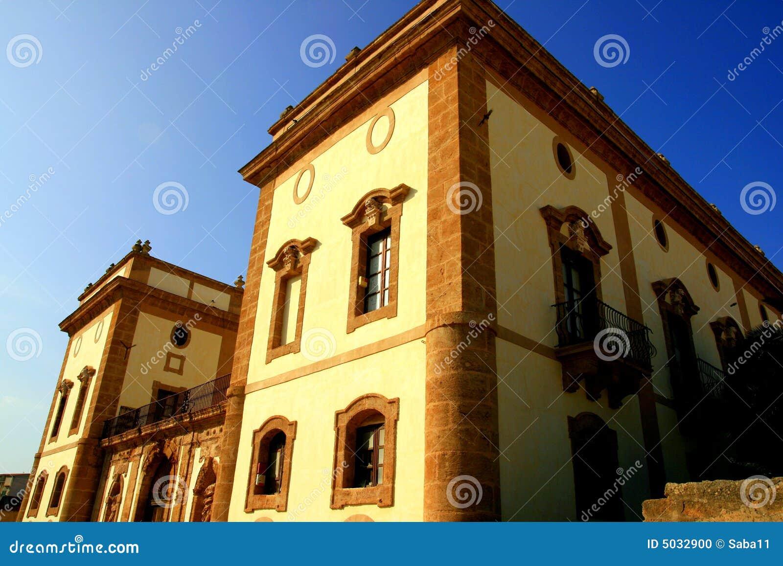 Ancient villa facade italy stock photo image 5032900 for Les meilleurs facades des villas