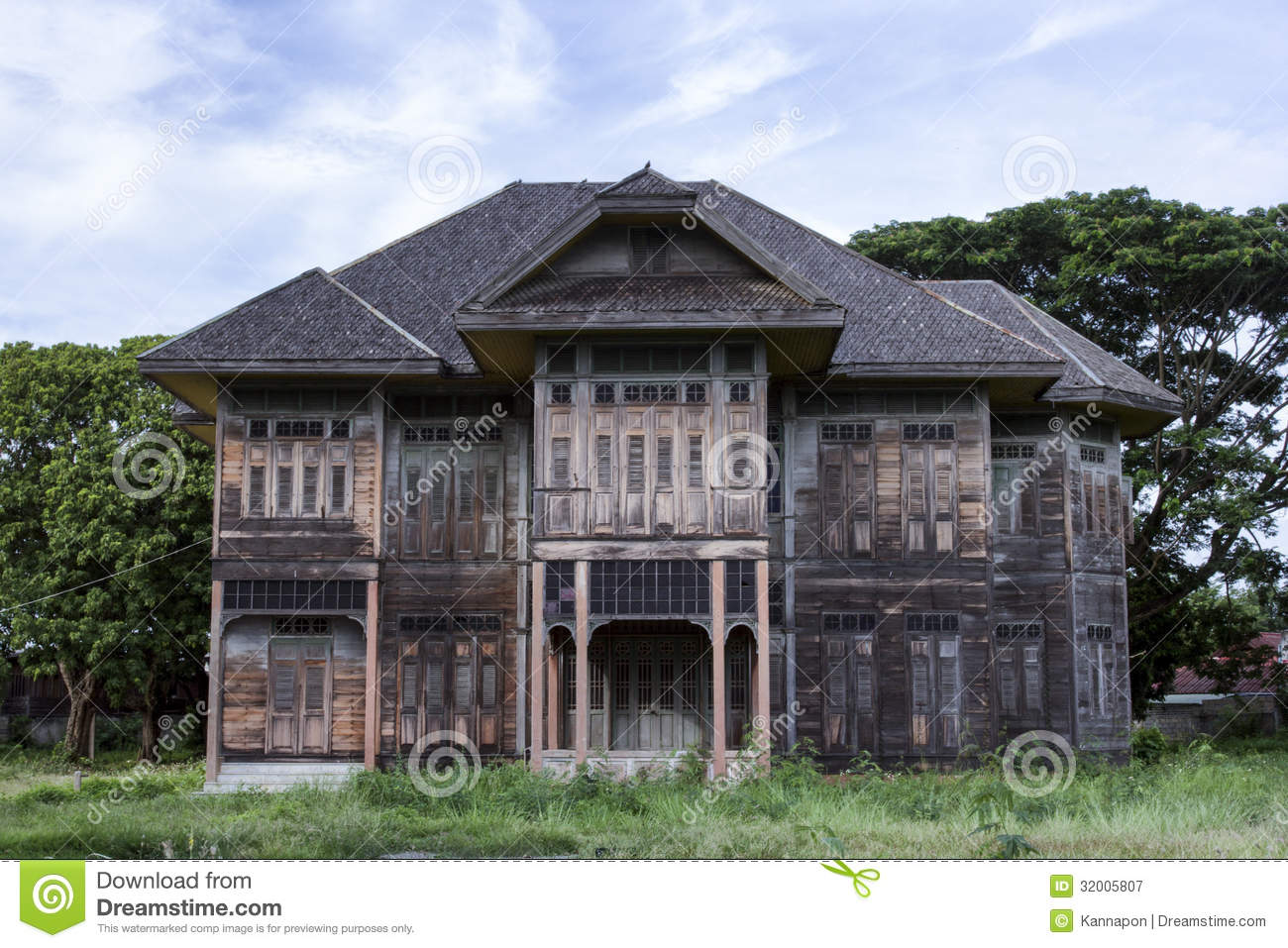 Ancient Wood House Royalty Free Stock Photography - Image: 32005807