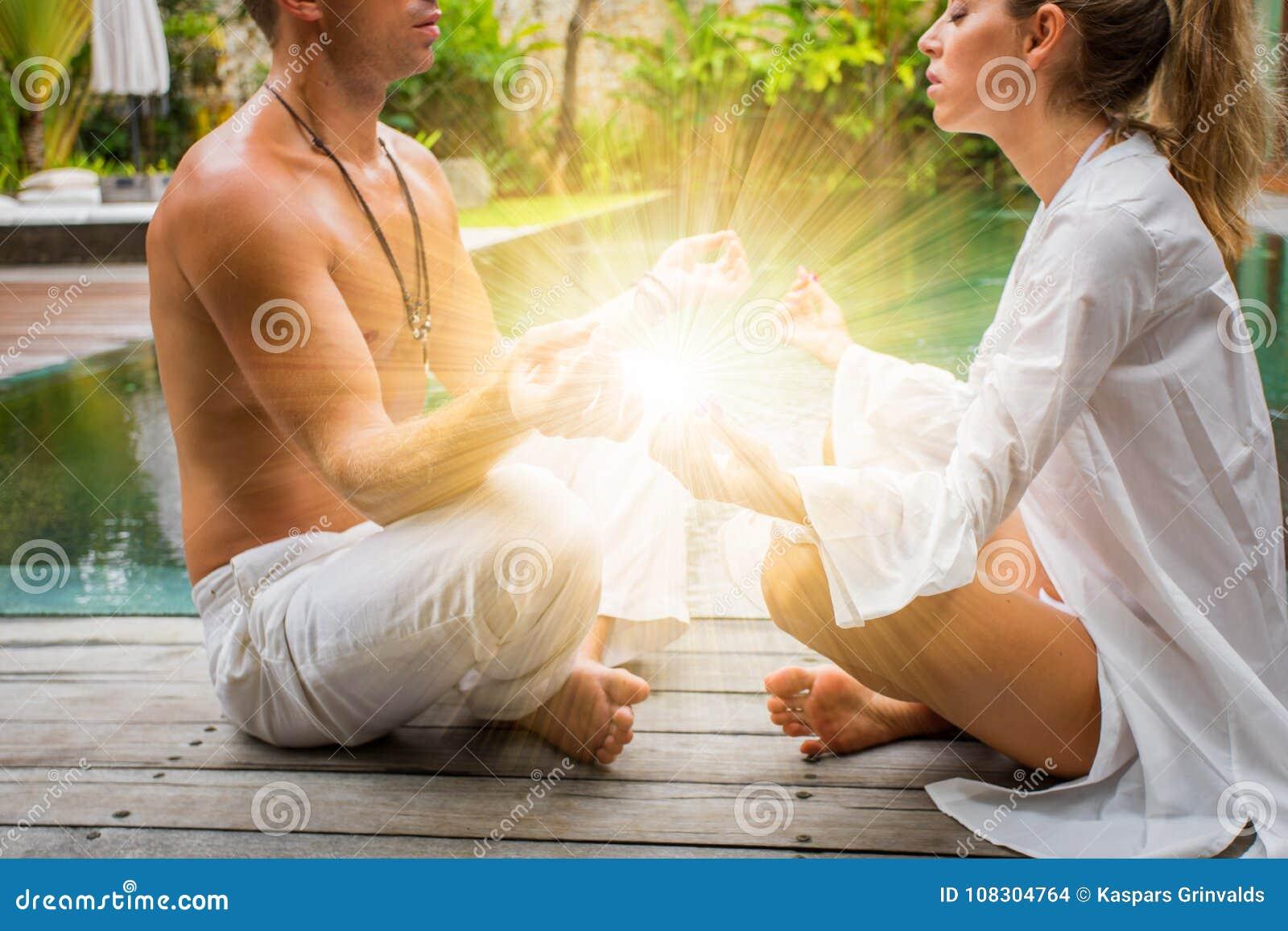 Andliga par som finner fred och harmoni