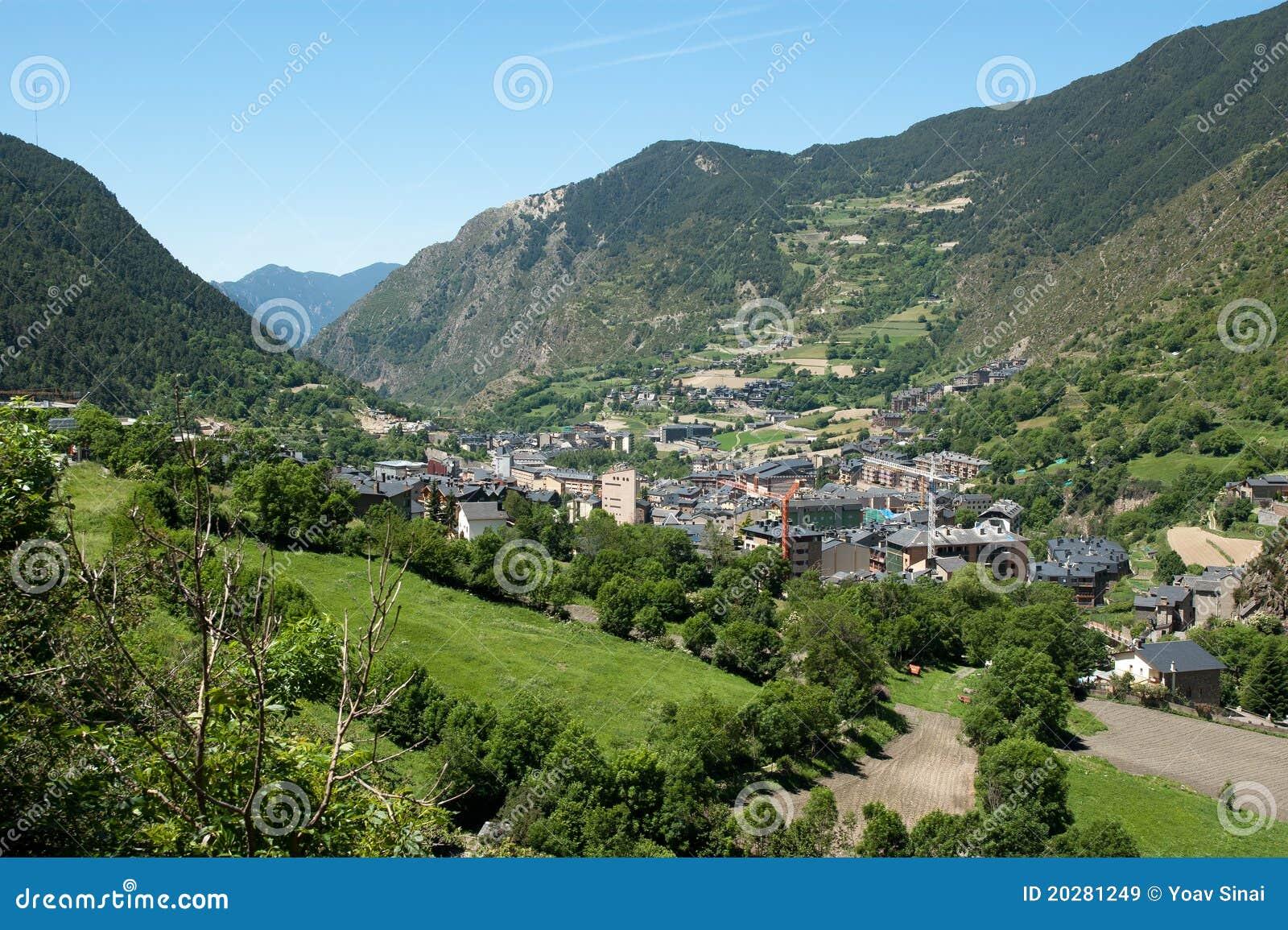 Andorra liggande pyrenees