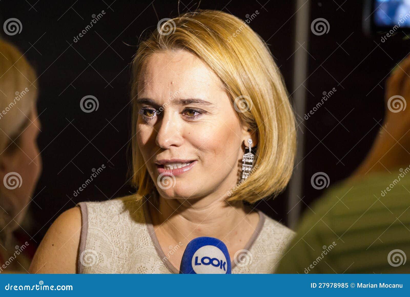 Pro TV se prăbușește! Ce spune Esca despre viitorul ei la ...  |Andreea Esca