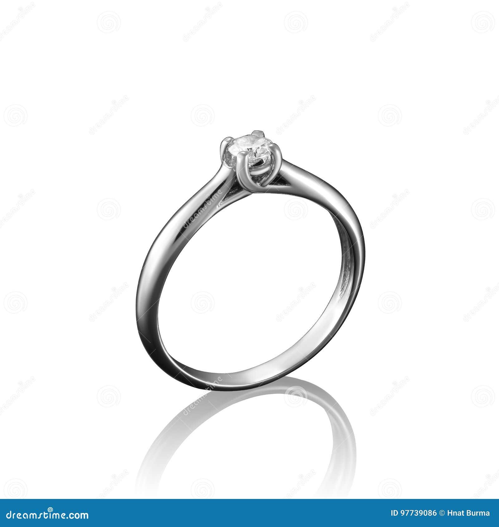Anel da joia do diamante do ouro branco no fundo branco com reflexão