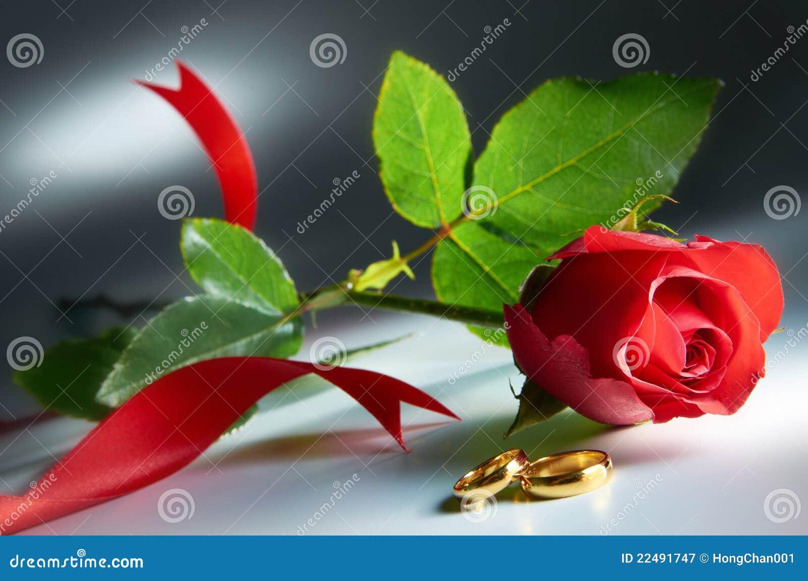 Anel de casamento com Rosa