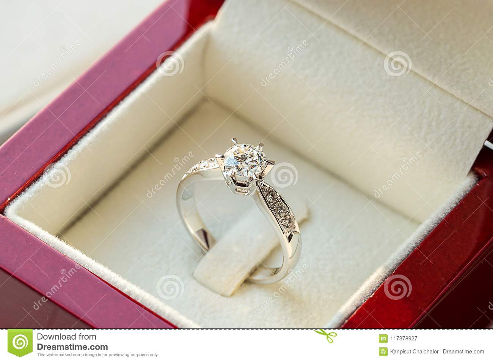 Anel de diamante, aliança de casamento, preço de noiva da aliança de casamento Símbolos do casamento