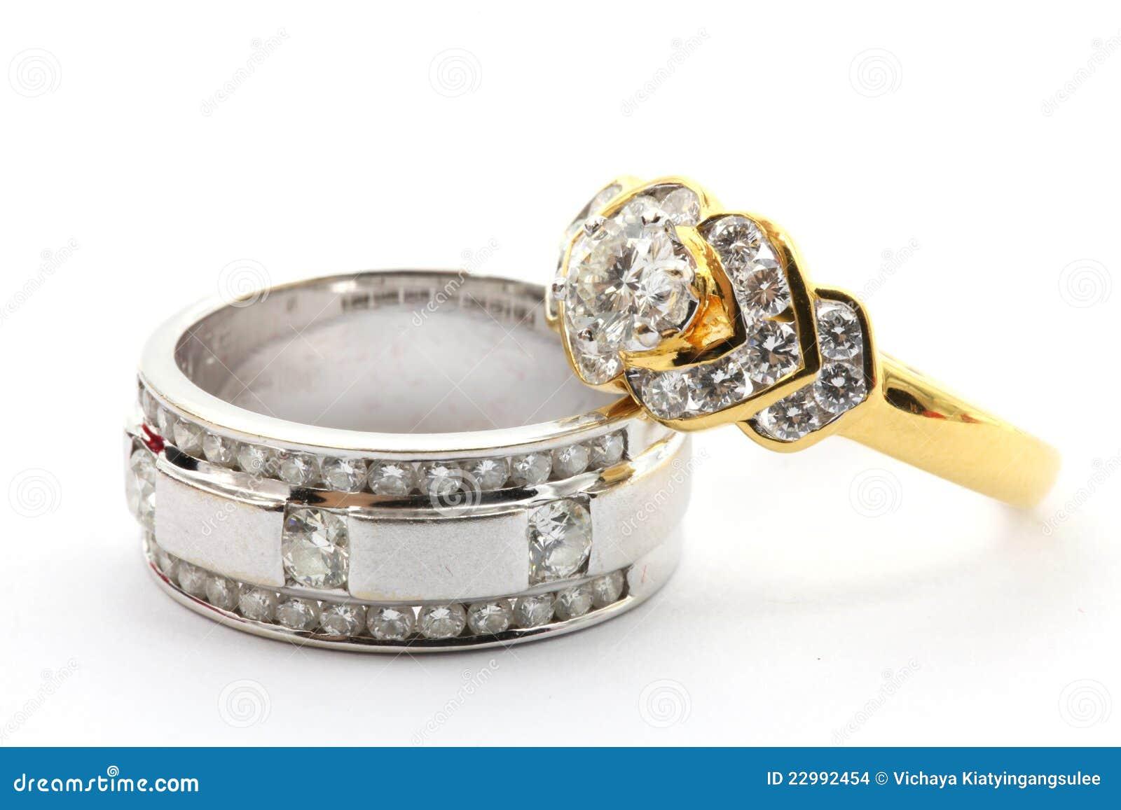 Anel de diamante dos pares