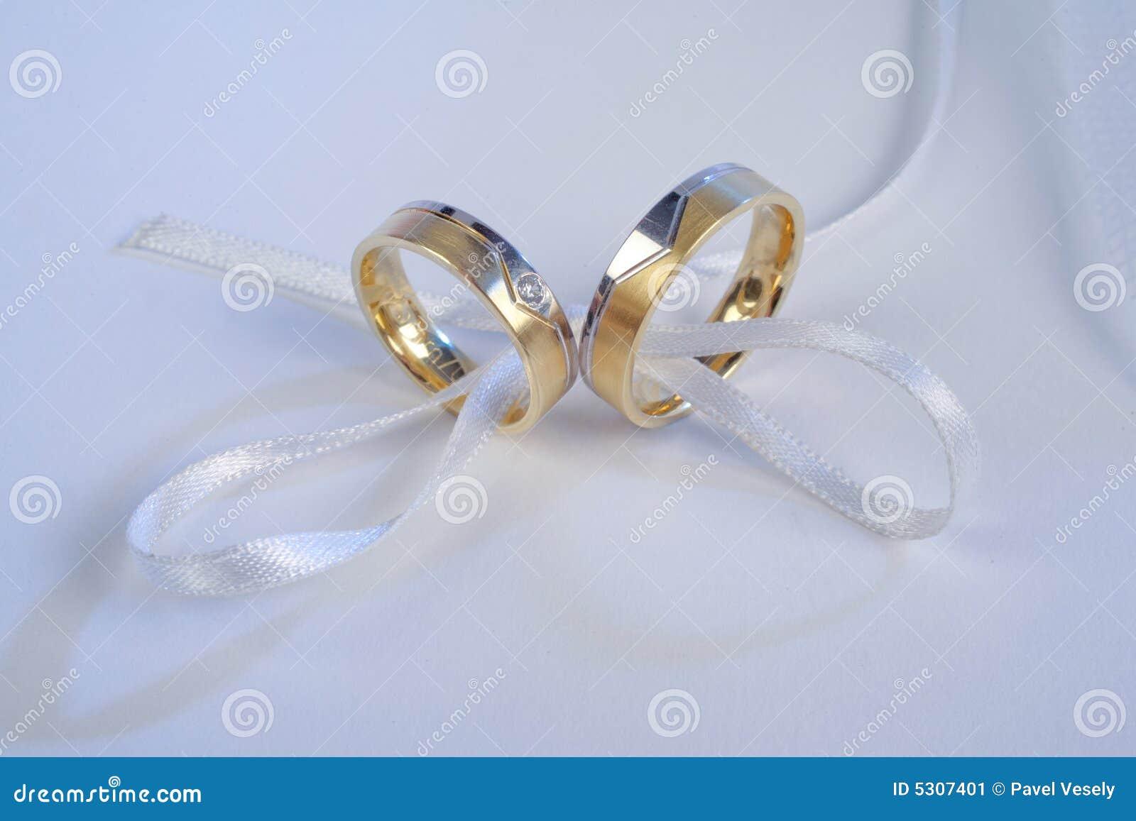 Download Anelli Di Cerimonia Nuziale Immagine Stock - Immagine di impegno, anello: 5307401