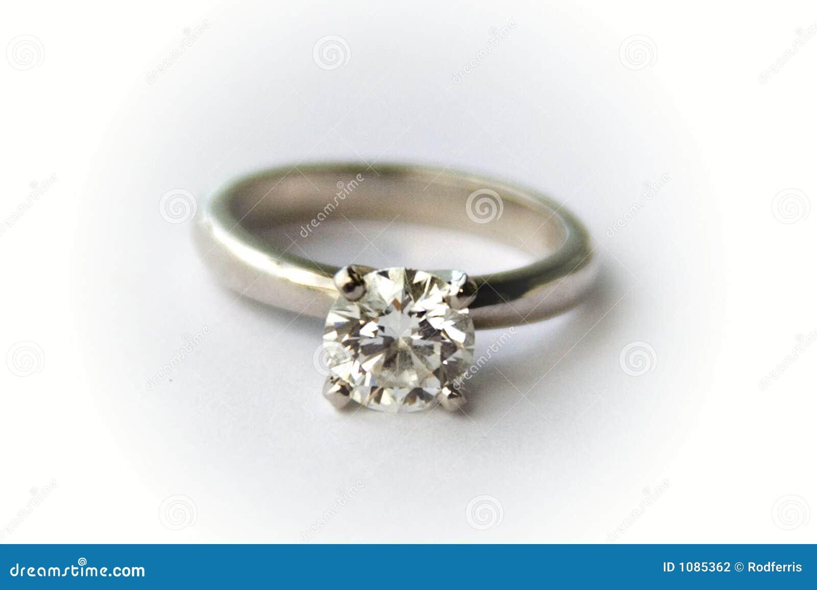Anello di fidanzamento di Solitare- del diamante
