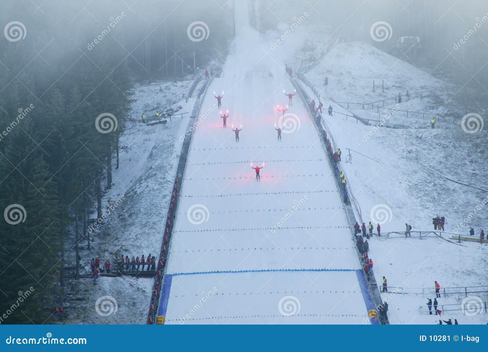 Anfang des Skispringens