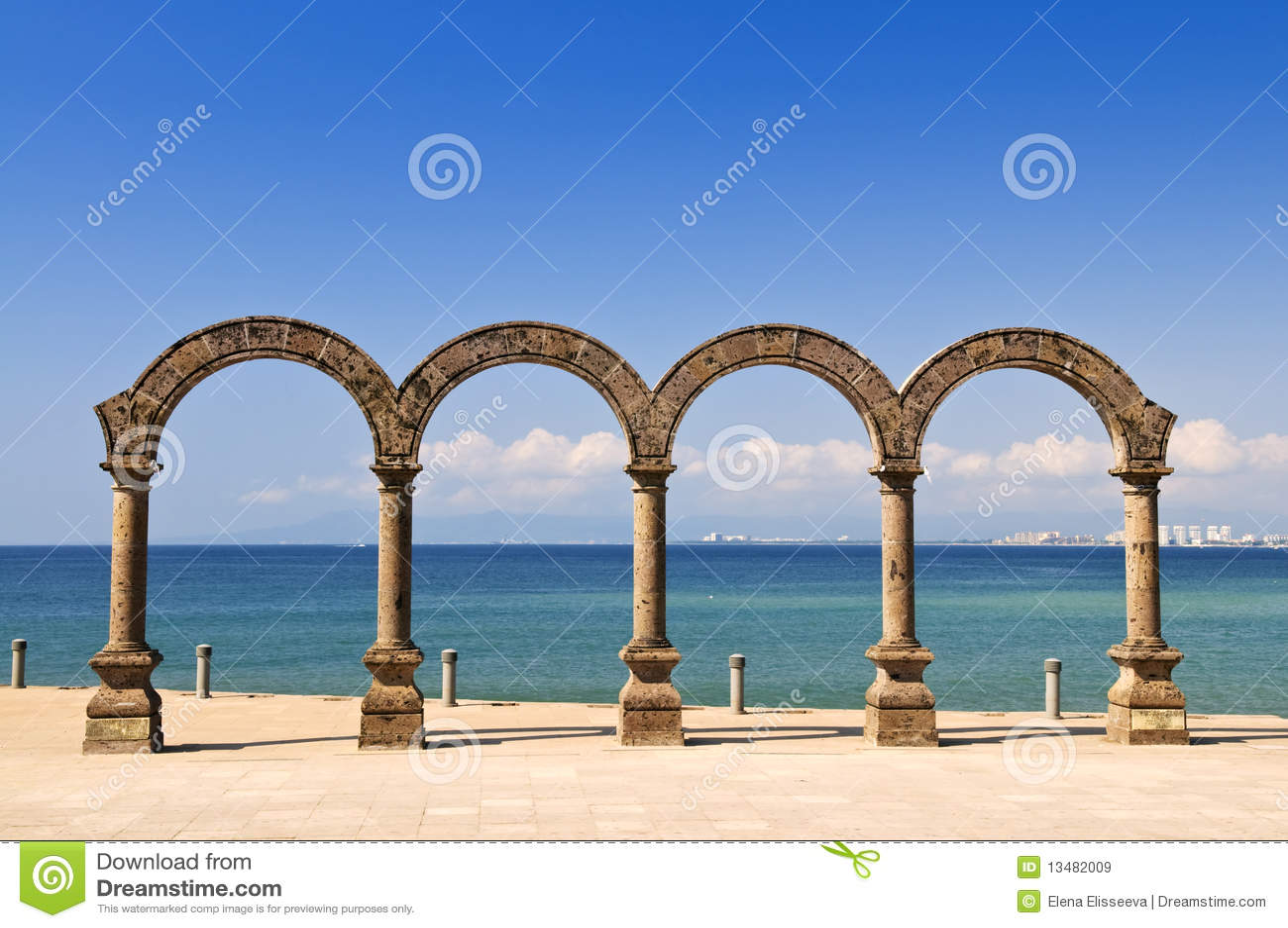Anfiteatro del Los Arcos en Puerto Vallarta, México