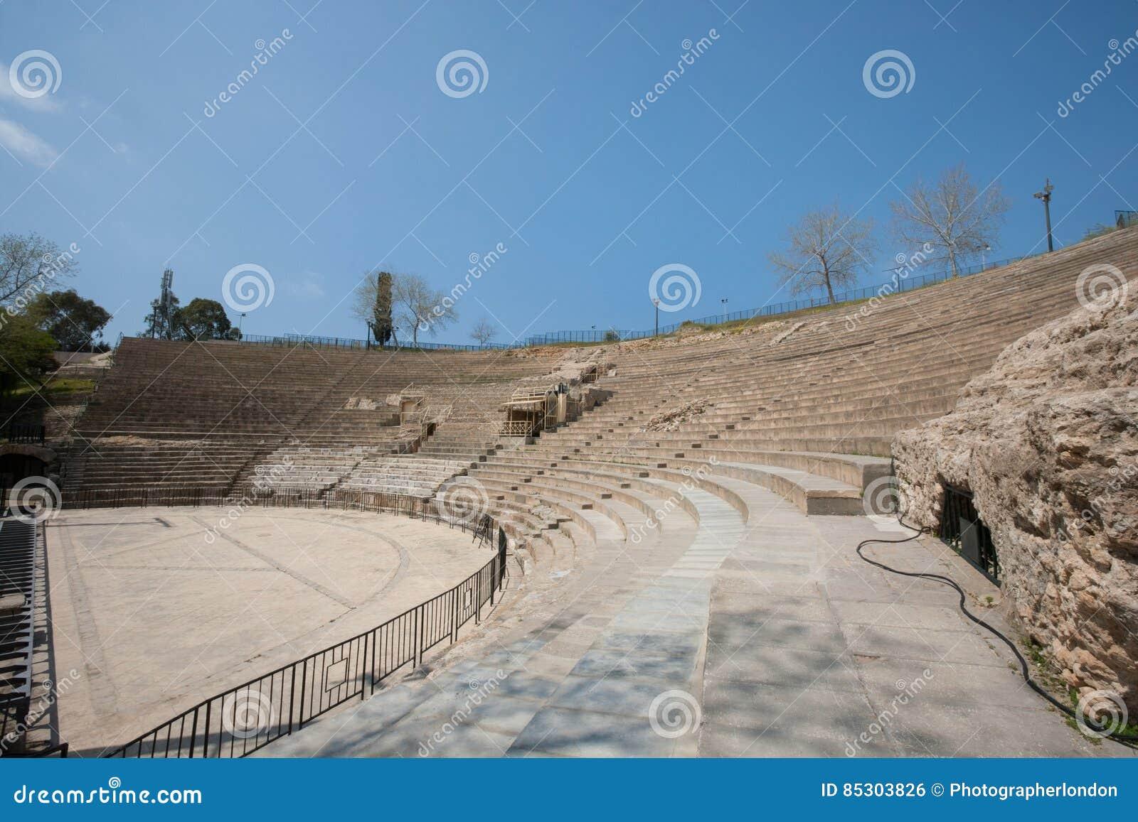 Anfiteatro romano contra o céu azul, Tunes, Tunísia