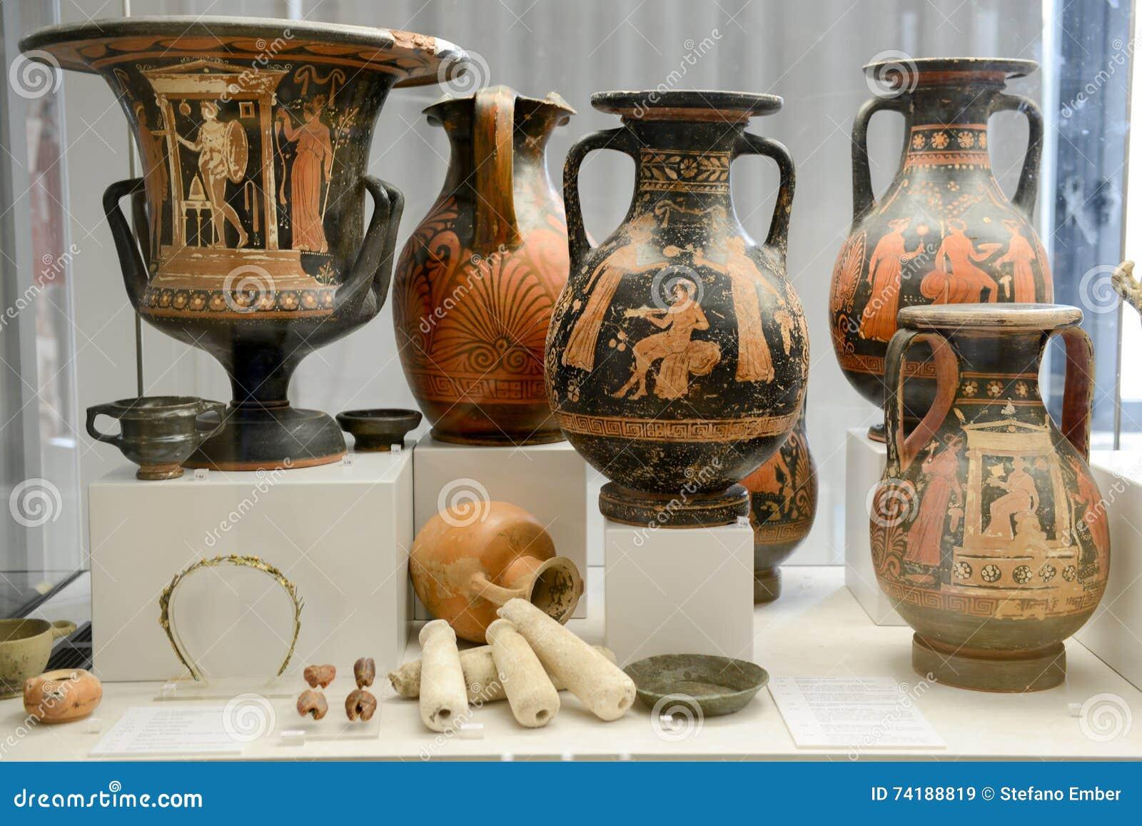 Anfore antiche del museo alle rovine romane in egnazia for Antiche ricette romane