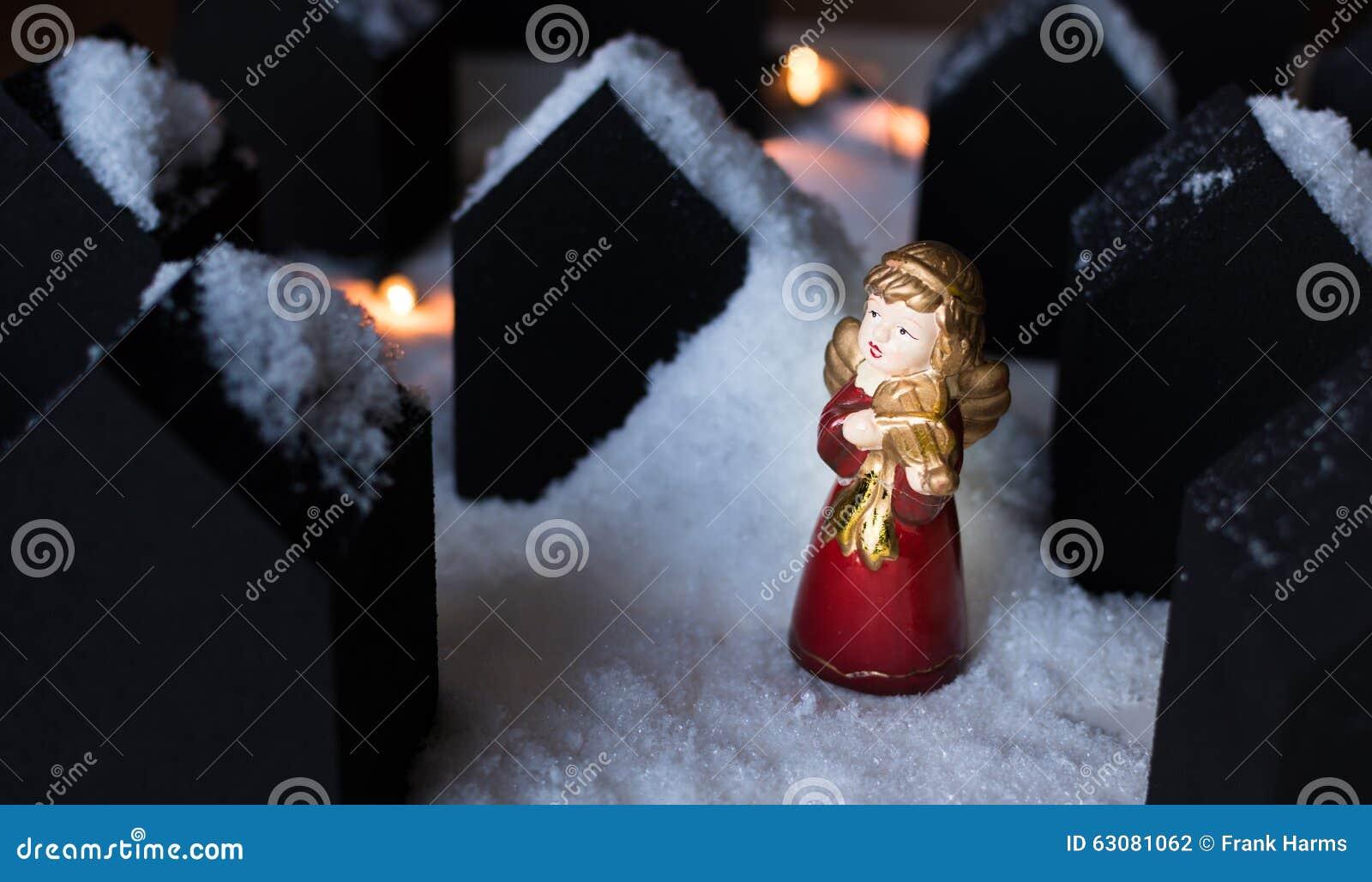 Download Ange dans la neige photo stock. Image du magie, religion - 63081062