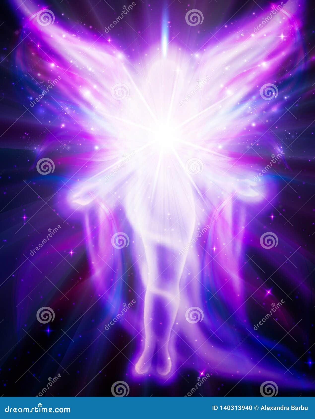 Ange de la lumière et de l amour faisant un miracle