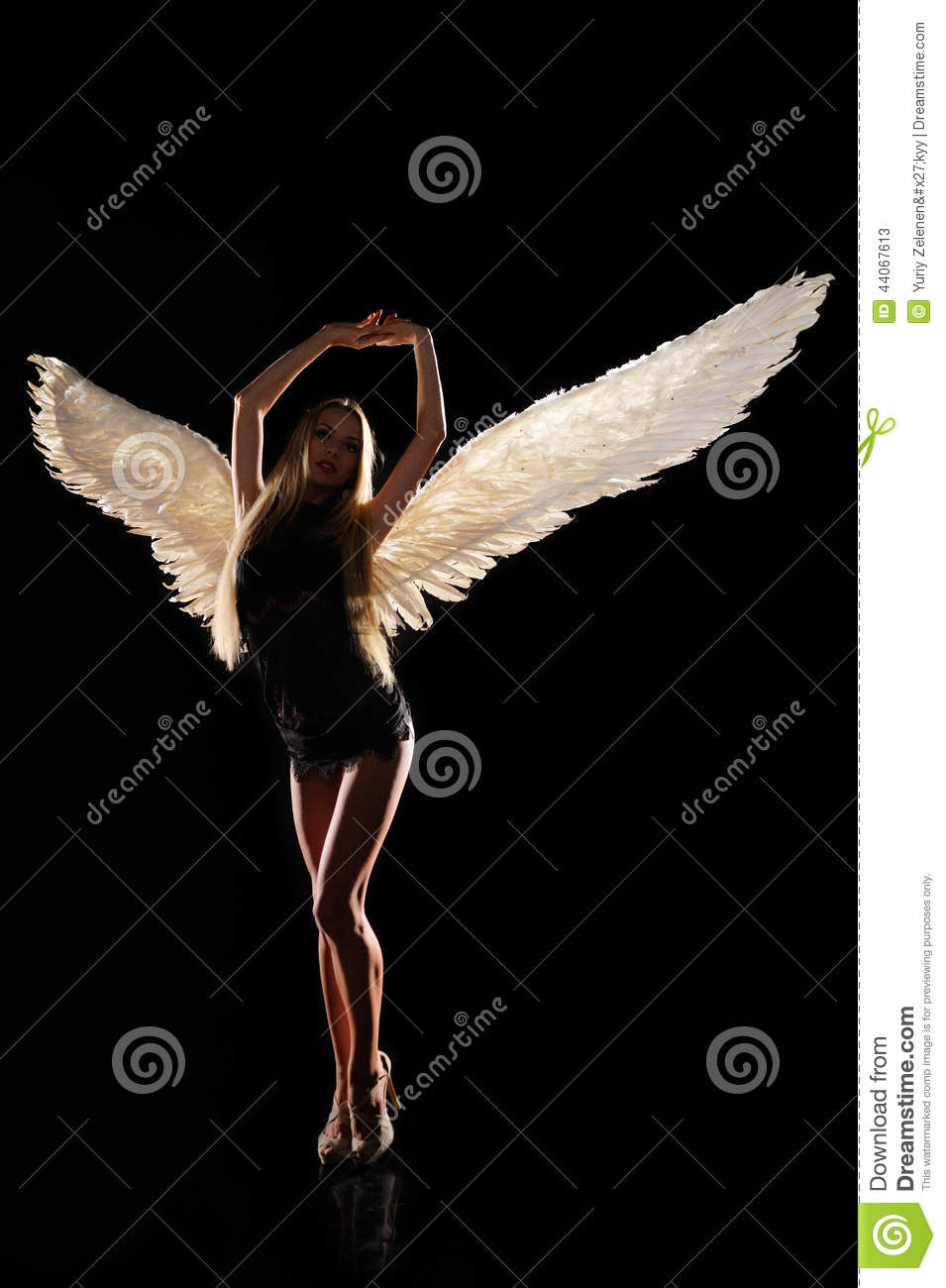 angel wings black background - photo #33
