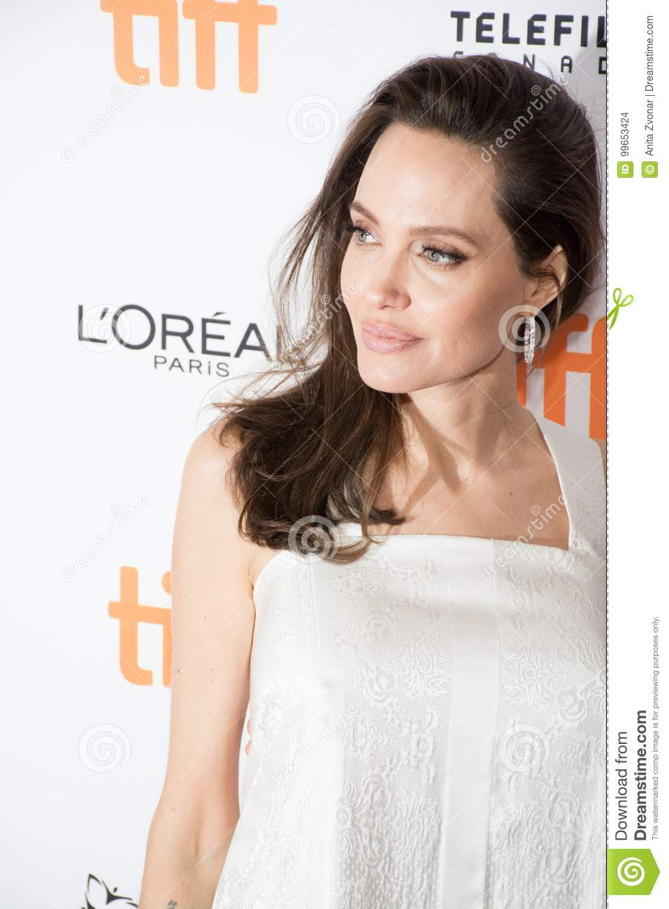 Angelina Jolie atende ao ` a premier do ` do chefe de família no festival de cinema do International de Toronto