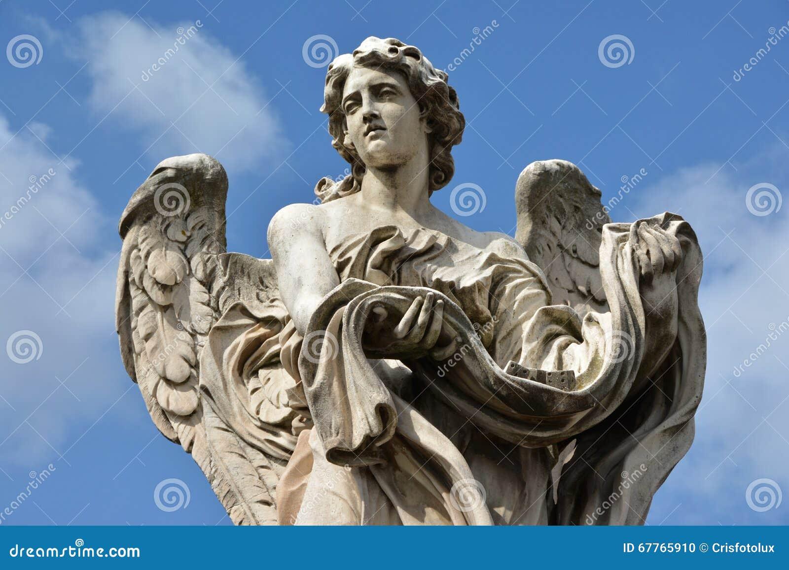 Angelo con l indumento ed i dadi da Ponte Sant Angelo, a Roma