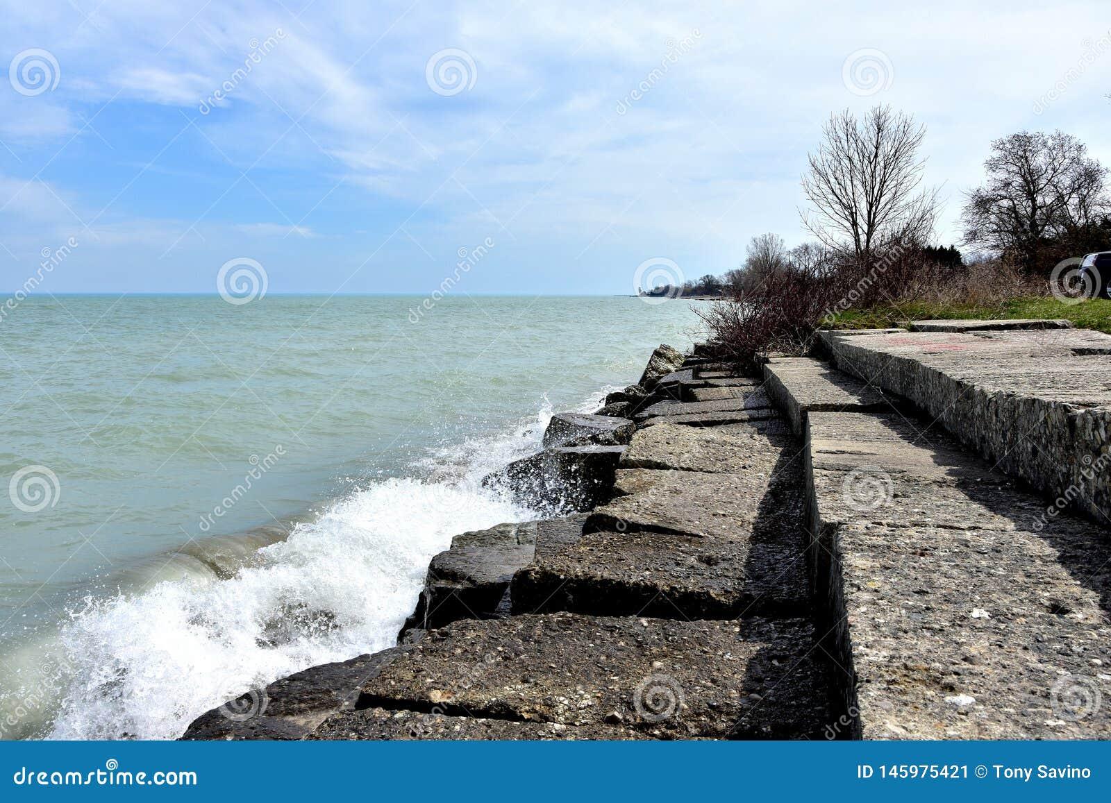 Angenäm Prarie strandvågbrytare med vågor