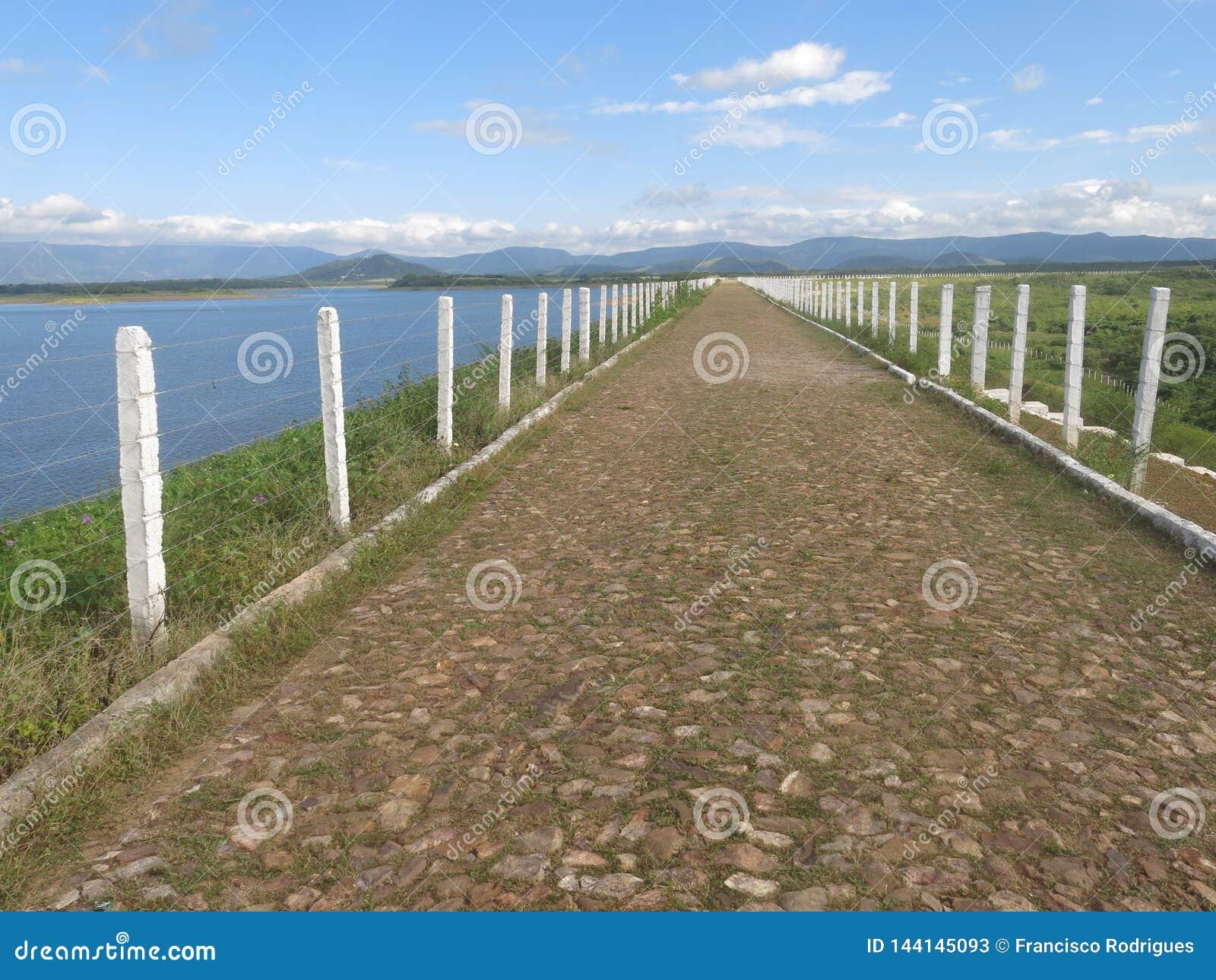 Angicos rezerwat wodny, droga nad bariera