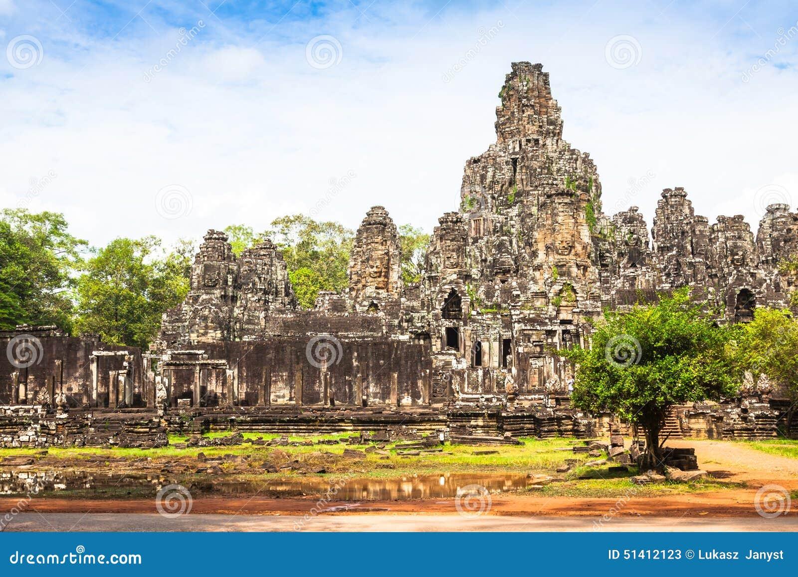 Angkor Thom Cambodja Bayon en khmertempel på den Angkor Wat historicaen