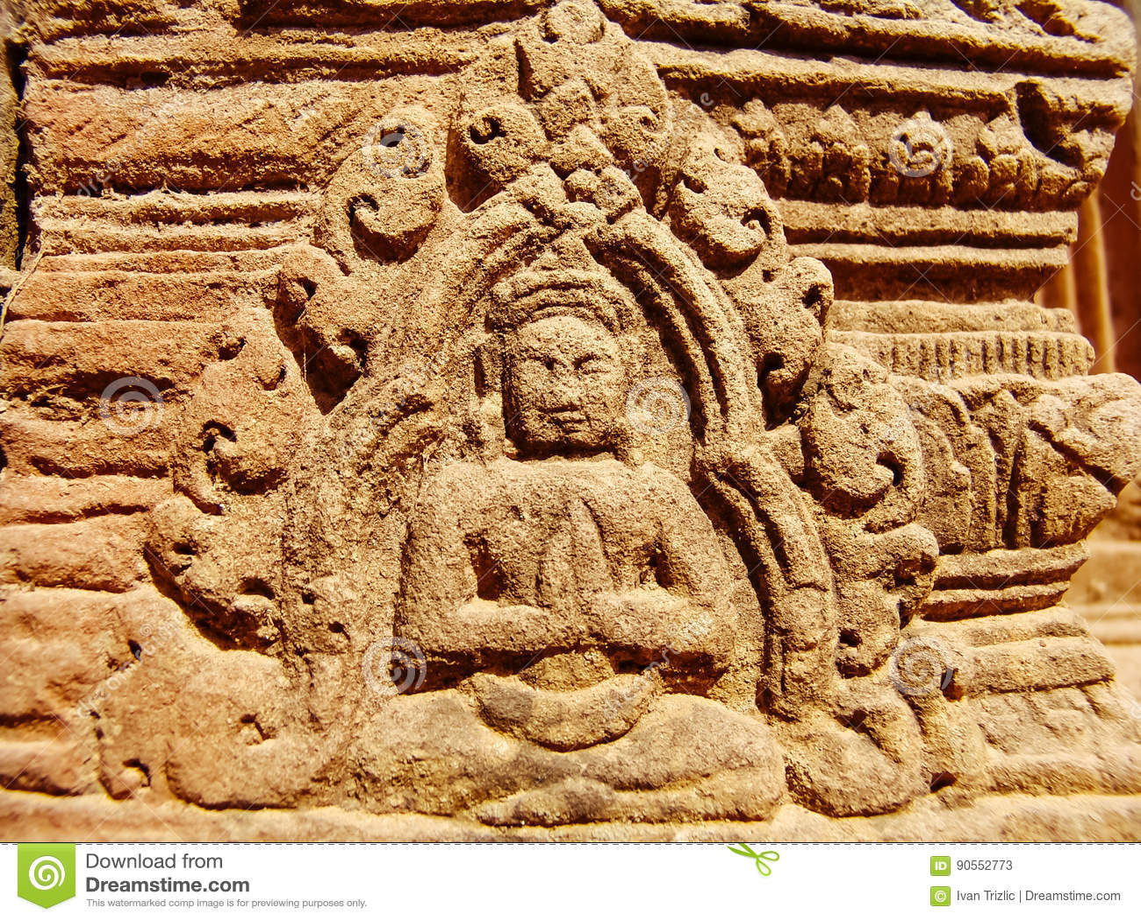 Angkor Wat - härliga carvings, baslättnader av den Banteay Srei templet