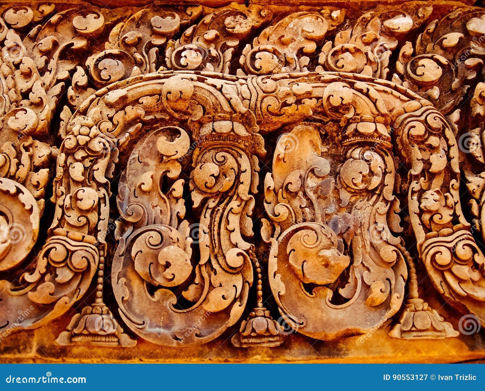 Angkor Wat - tallas hermosas, alivios de bas del templo de Banteay Srei