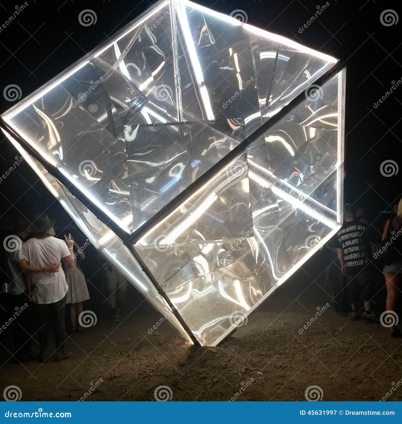 Angle étonnant de cube