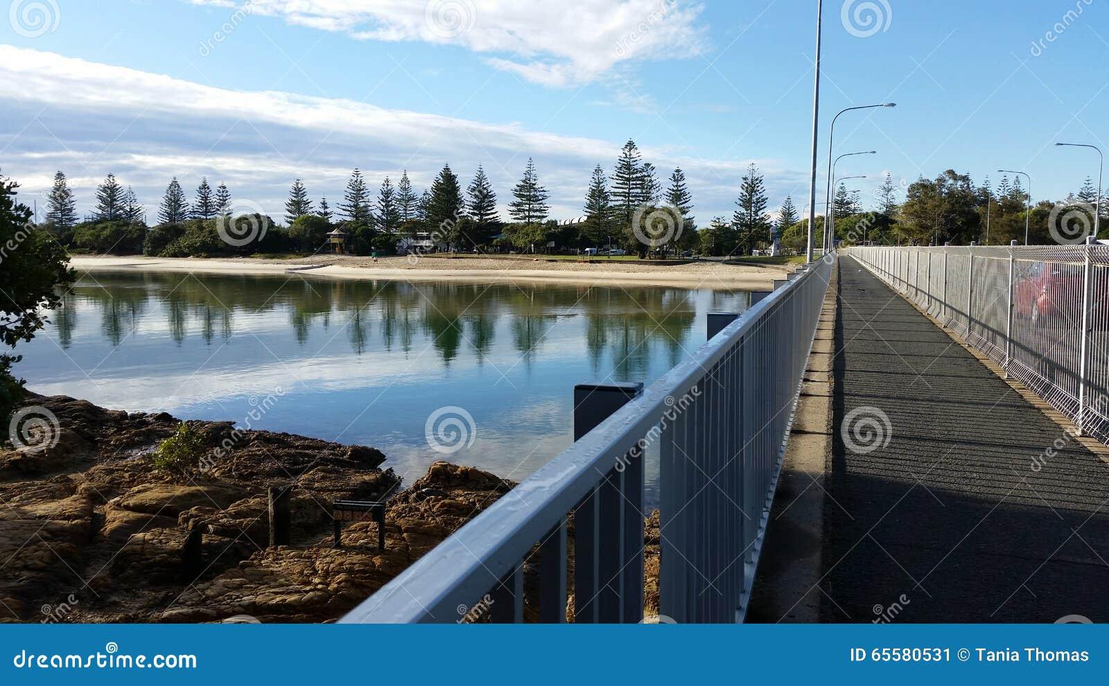 Angra pitoresca de Tallebudgera, Gold Coast, Austrália