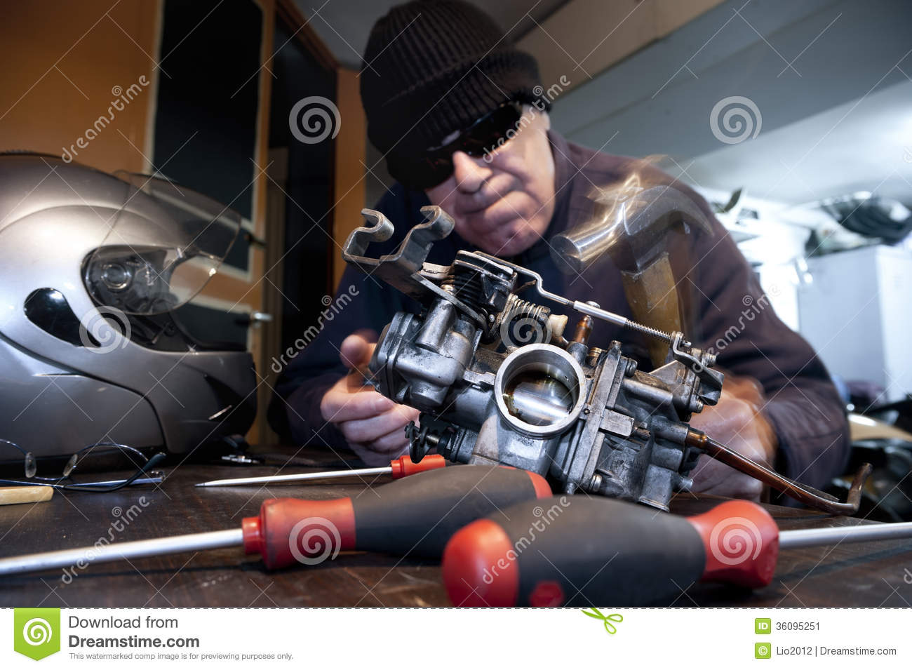 angry mechanic with hammer stock image image 36095251 auto mechanics clip art free auto mechanics clip art free