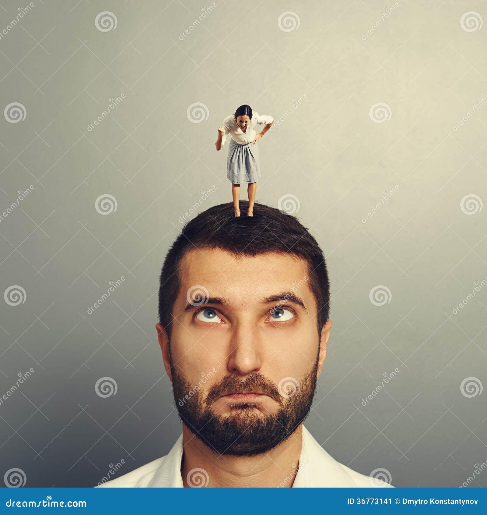 angry woman at man - photo #37