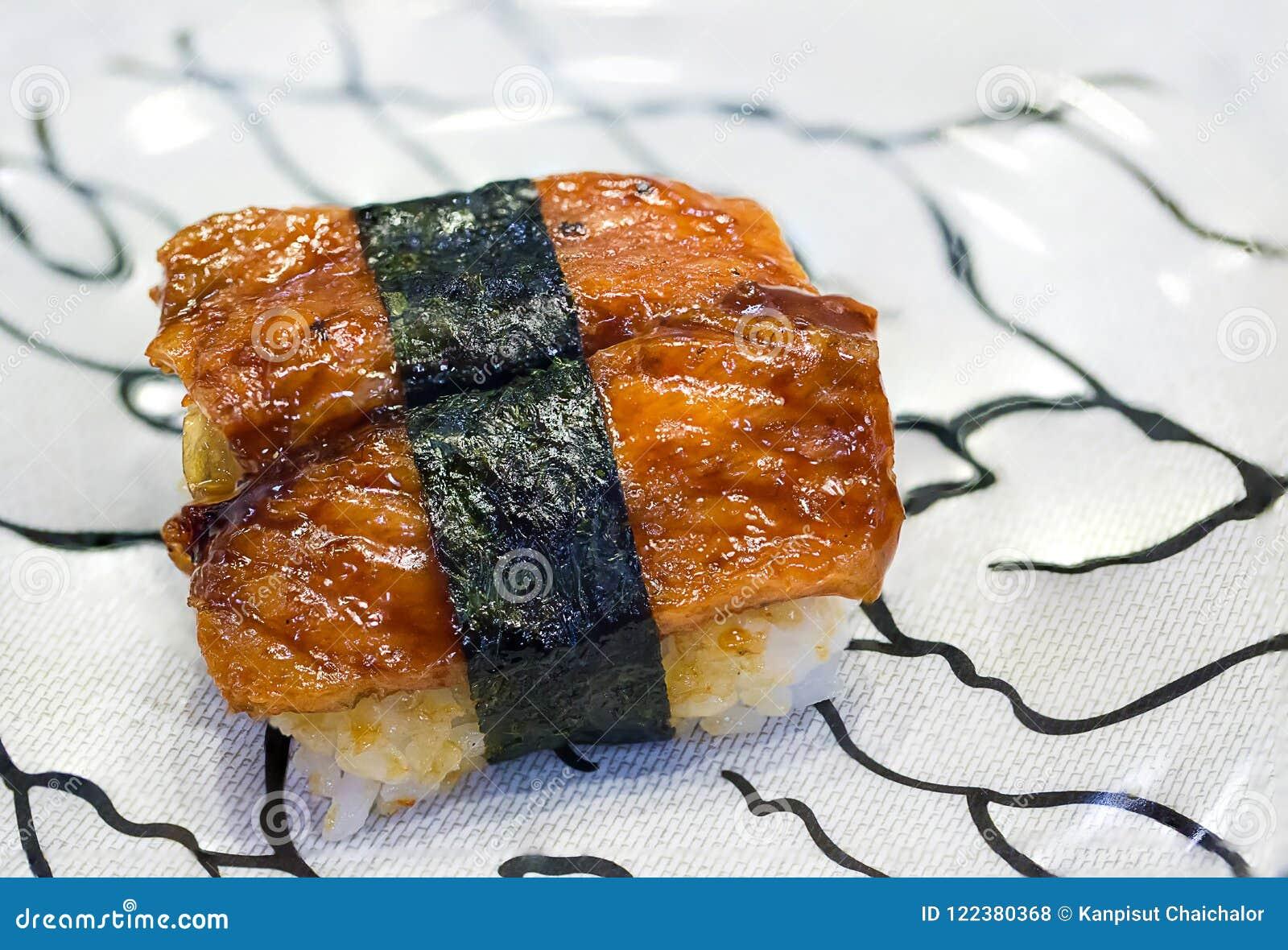 Anguilla d acqua dolce dei sushi grigliata Alimento giapponese per sano  sushi di unagi, menu