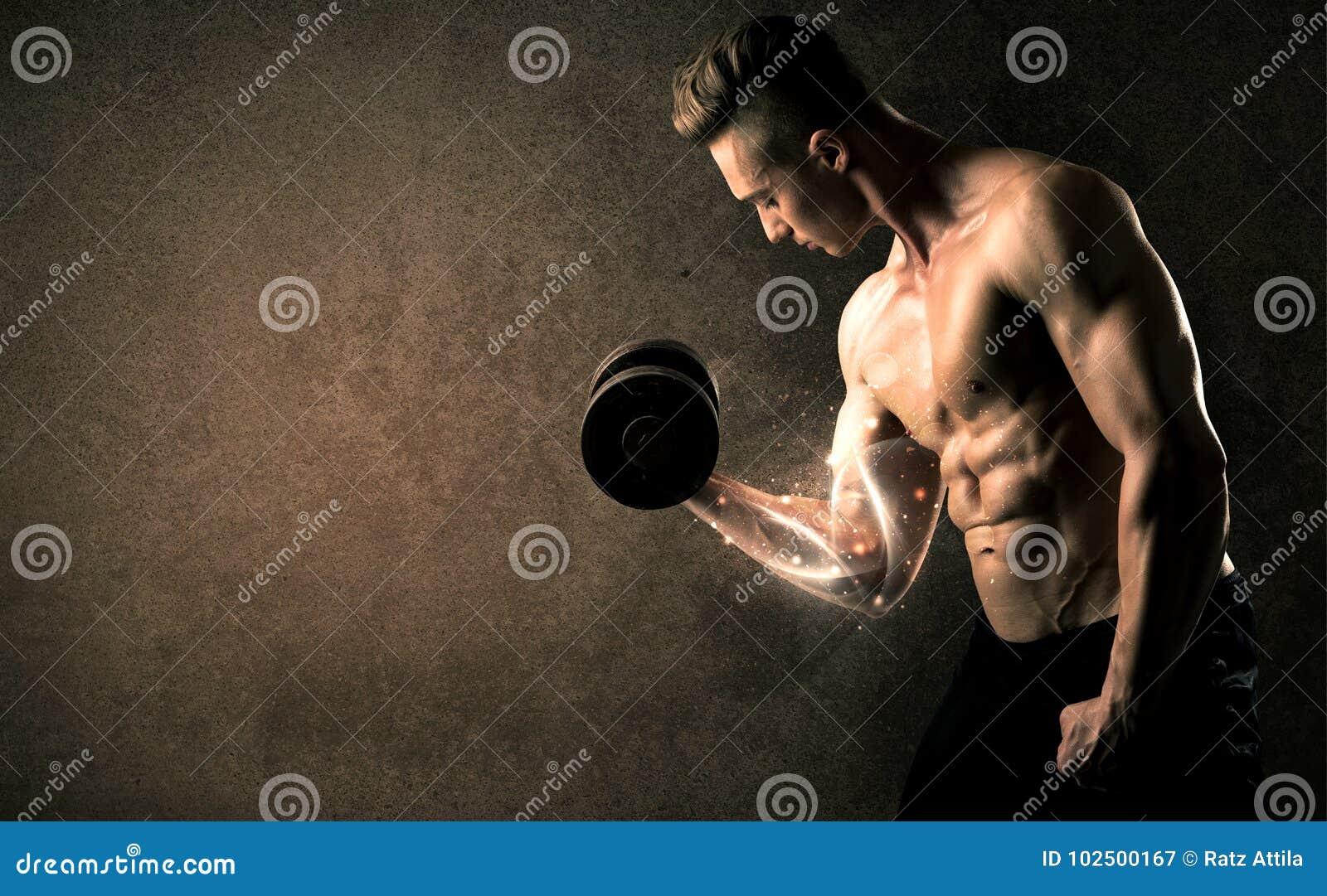 Anhebendes Gewicht des Bodybuilders mit energischen weißen Linien Konzept
