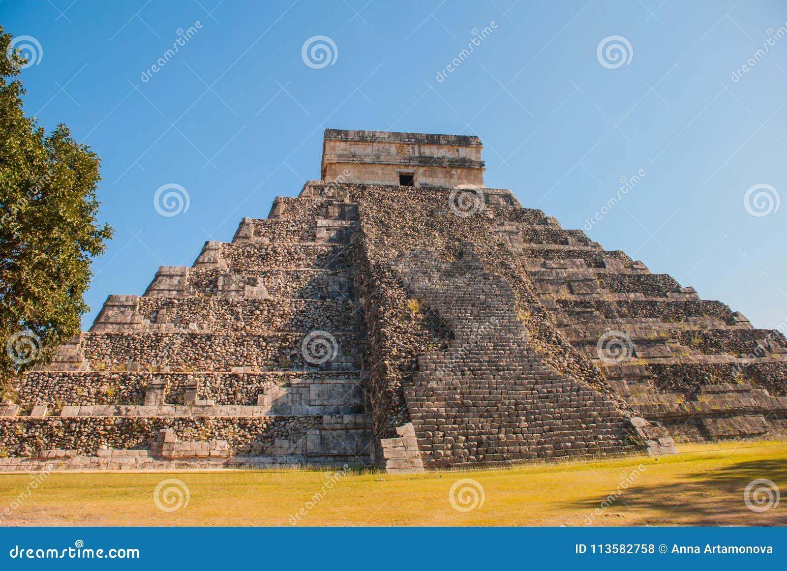 Anicent玛雅人玛雅金字塔El卡斯蒂略Kukulkan在奇琴伊察,墨西哥
