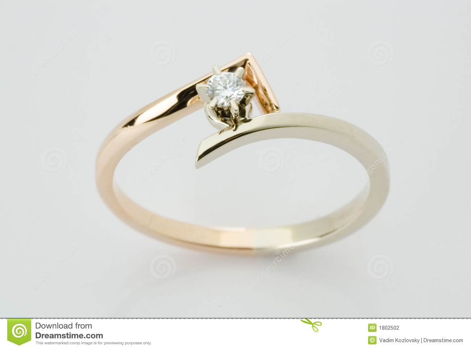 Anillo con el diamante