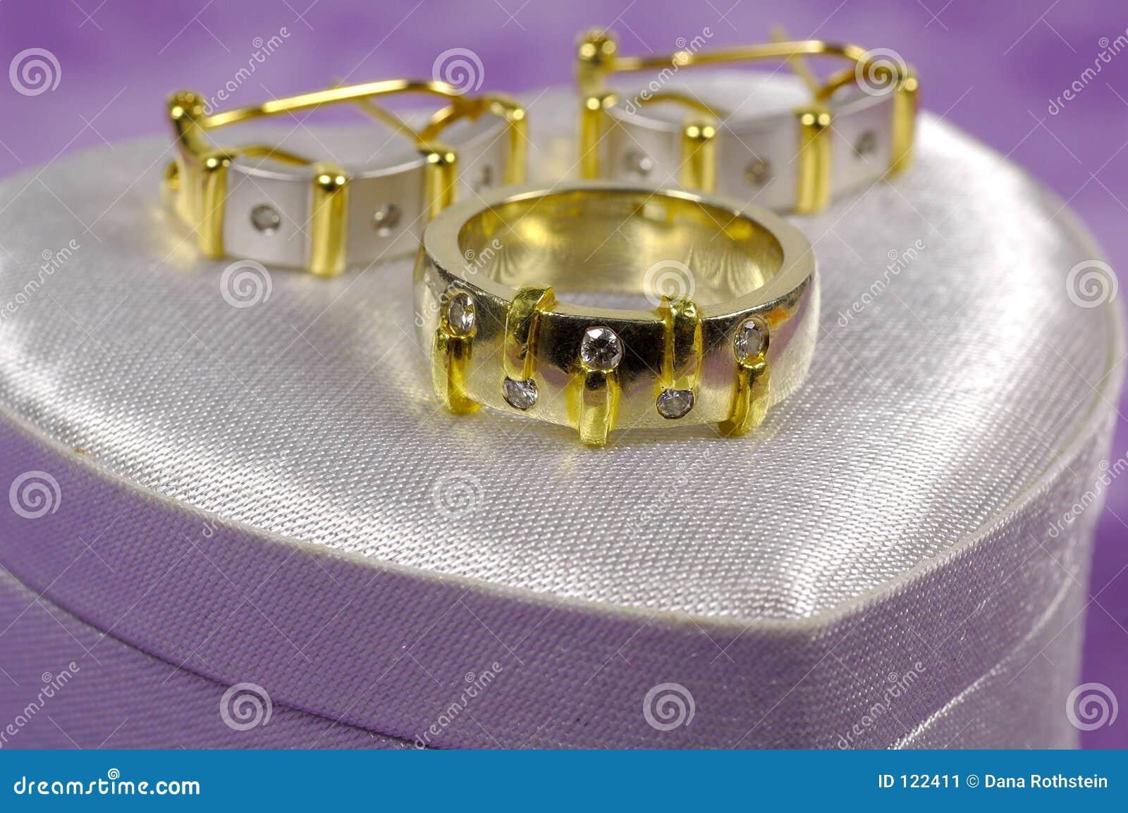 Anillo de diamante y Earings