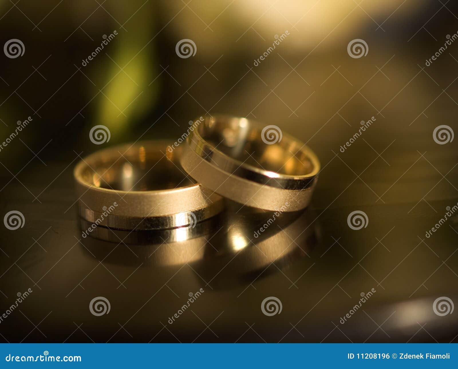 Anillos casados imagen de archivo libre de regal as imagen 11208196 - Anillo de casado mano ...
