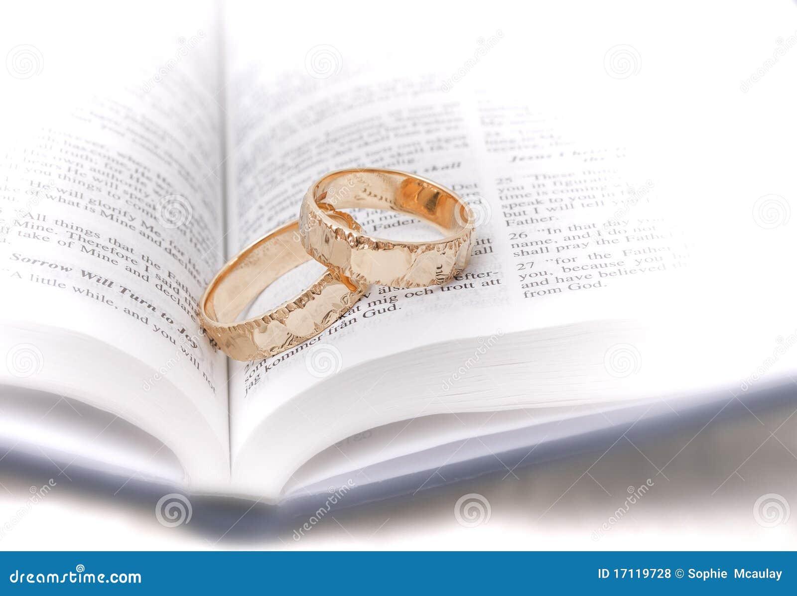 Matrimonio De Acuerdo Ala Biblia : Anillos de bodas en la biblia foto archivo imagen