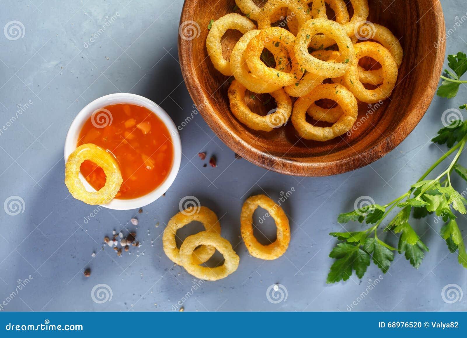 Anillos de cebolla fritos